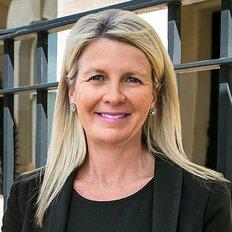 Julie McCallum, Sales Agent