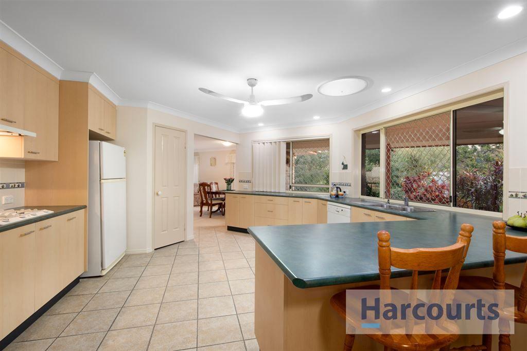 3 Meranti Crescent, Albany Creek QLD 4035, Image 2