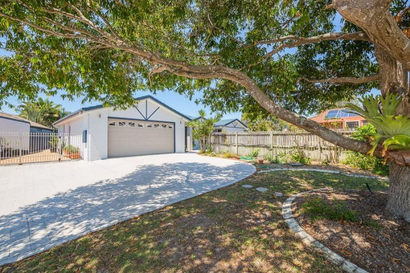 13 Capstan Court, Banksia Beach QLD 4507, Image 2