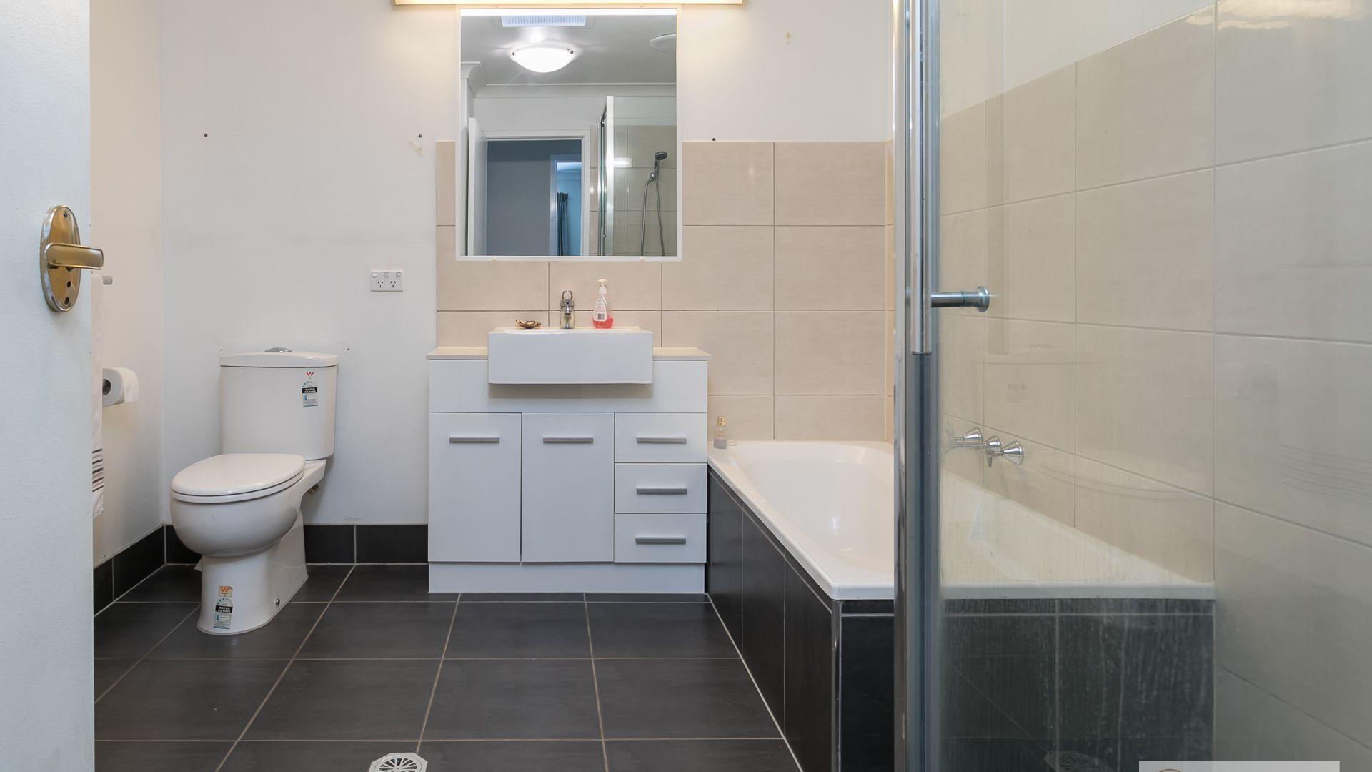 98/205 Thorneside Road, Thorneside QLD 4158, Image 2