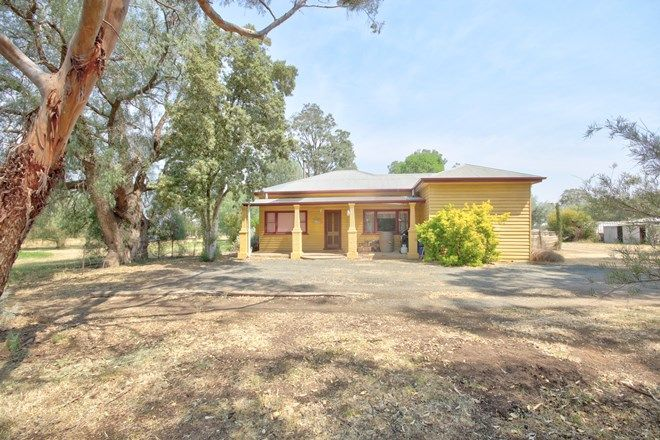 Picture of 166 Railway Road, ROCHESTER VIC 3561