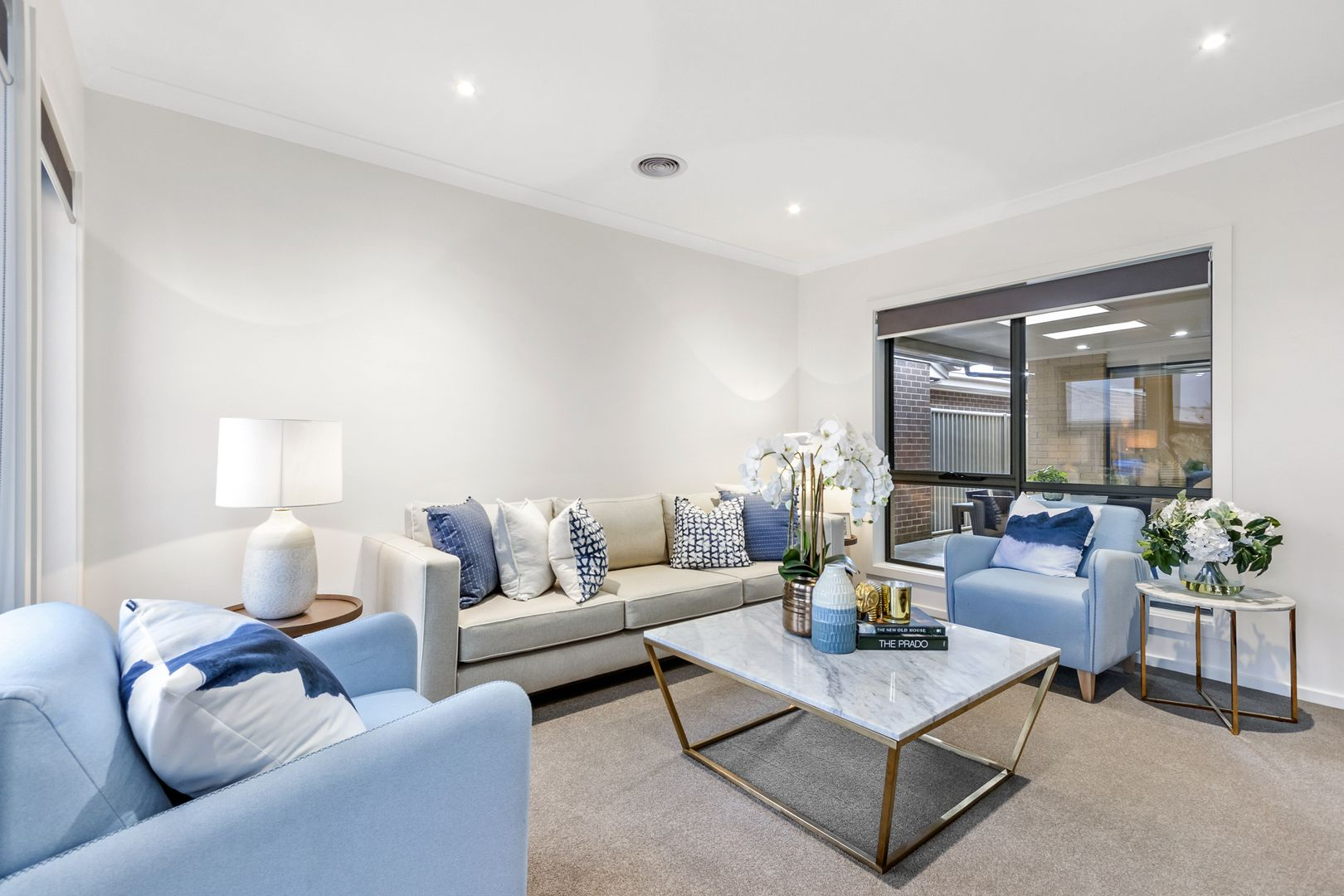 147/5 Harmony Chase, Clyde North VIC 3978, Image 2