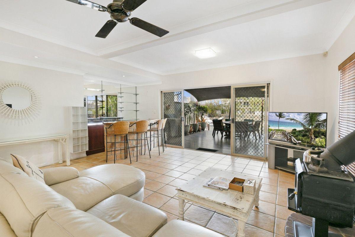 2/99 Bundall Road, Surfers Paradise QLD 4217, Image 2