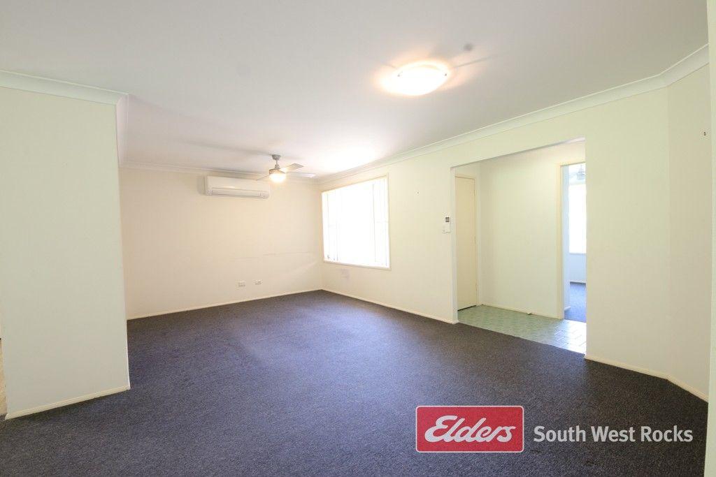 35 Gilbert Cory St, South West Rocks NSW 2431, Image 2