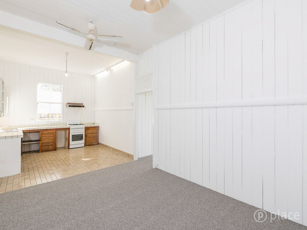 27 Mulgrave Street, Spring Hill QLD 4000, Image 2