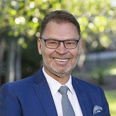 Wayne Vaughan, Sales representative