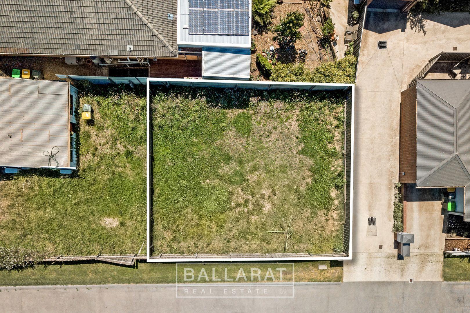 2/17 Queen Street South, Ballarat East VIC 3350, Image 2
