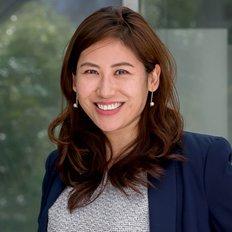Qiao Cai, Sales representative