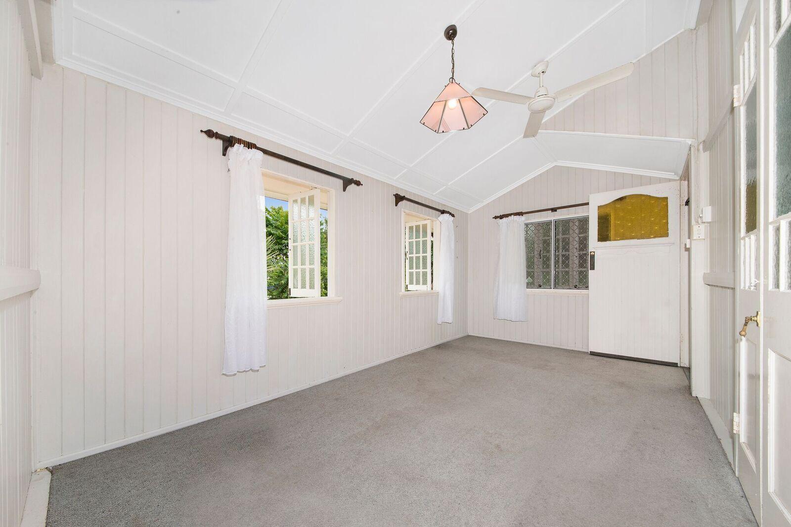 104 Corcoran Street, Currajong QLD 4812, Image 2