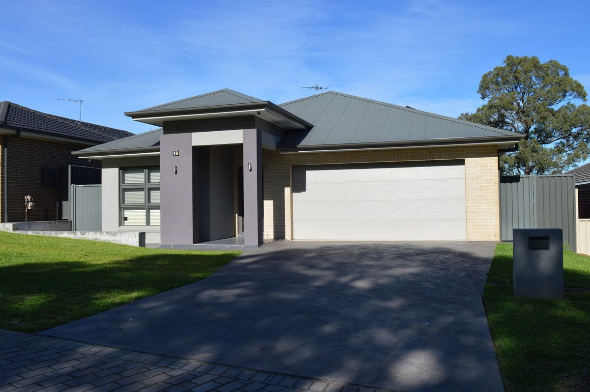 10 Manifold Crescent, Glenmore Park NSW 2745, Image 1