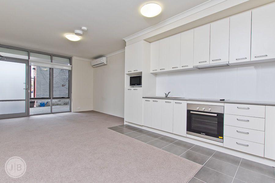 2/57 Beach Street, Fremantle WA 6160, Image 0