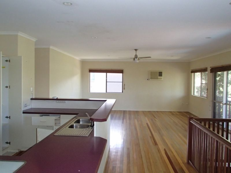 22 Panoramic Court, Cannonvale QLD 4802, Image 2