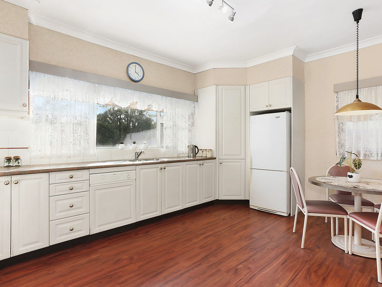 9 West Crescent, Hurstville Grove NSW 2220, Image 2