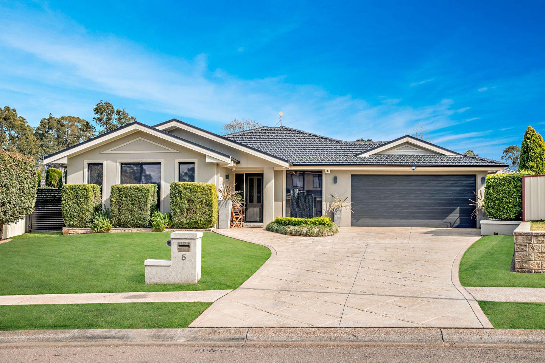 5 Semillon Grove, Cessnock NSW 2325, Image 0