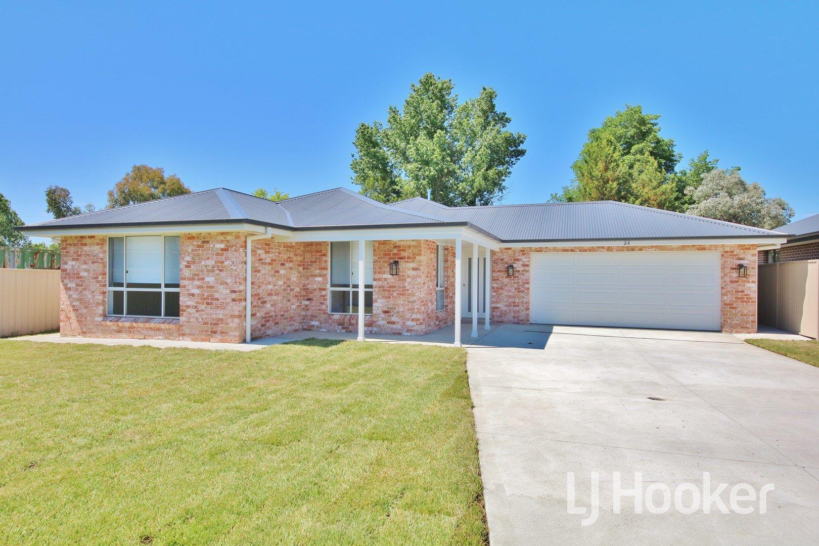 24 Maxwell Drive, Eglinton NSW 2795, Image 0