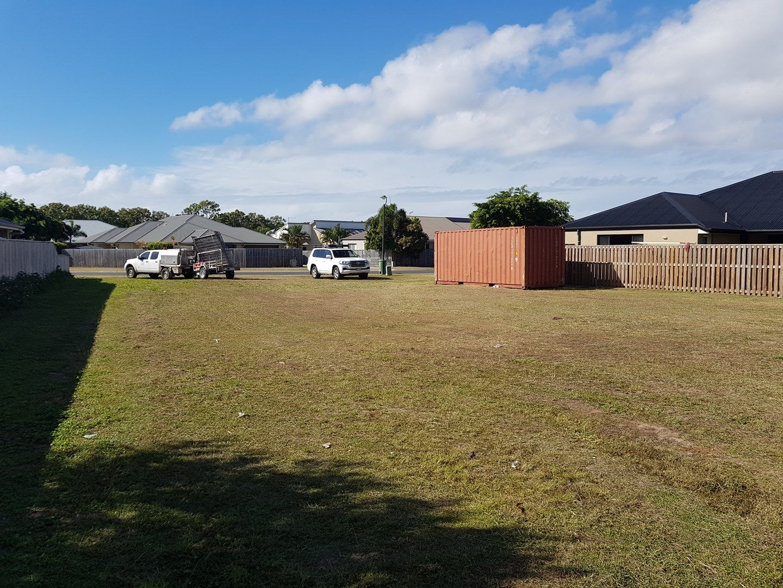 12 Whitehaven Drive, Blacks Beach QLD 4740, Image 0
