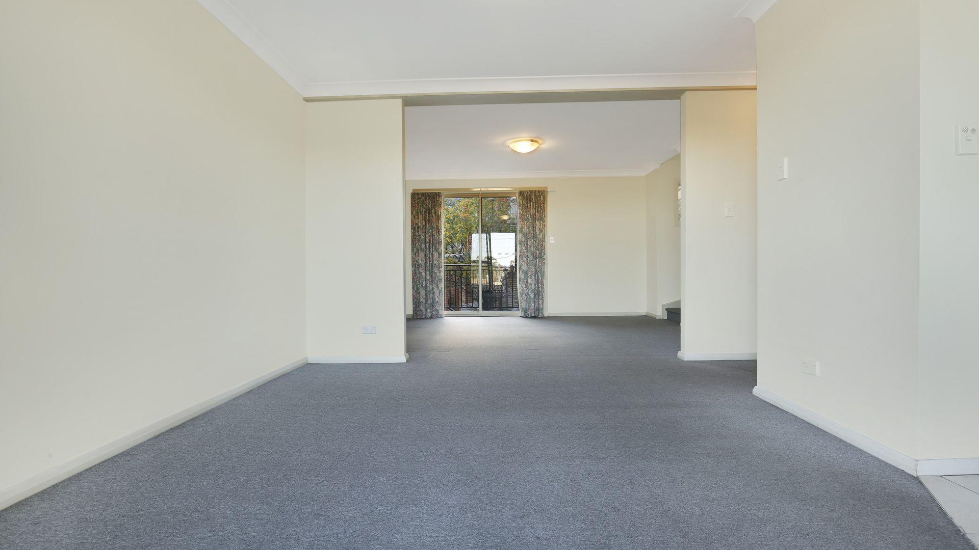 13/35 Bridge Street, Coniston NSW 2500, Image 2