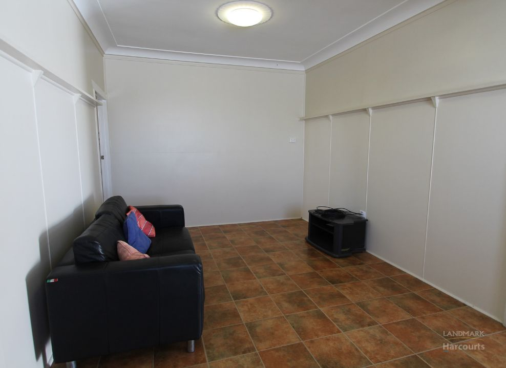 Flat 2/182B Queen Street, Ayr QLD 4807, Image 2