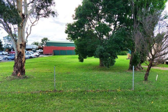 Picture of 59 Rowan Avenue, URALLA NSW 2358