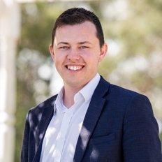 Taylor Davis, Sales representative