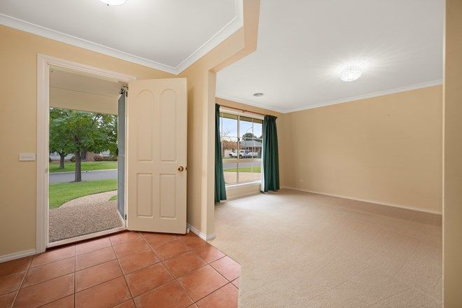 Picture of 12 Payerl  Court, LAVINGTON NSW 2641