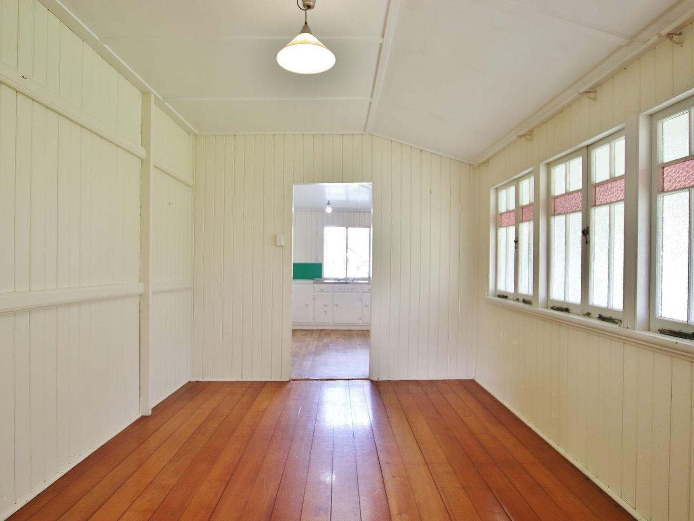 5 Dean Street, Berserker QLD 4701, Image 2