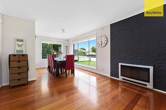 Picture of 8 Chelmsford Crescent, ST ALBANS VIC 3021