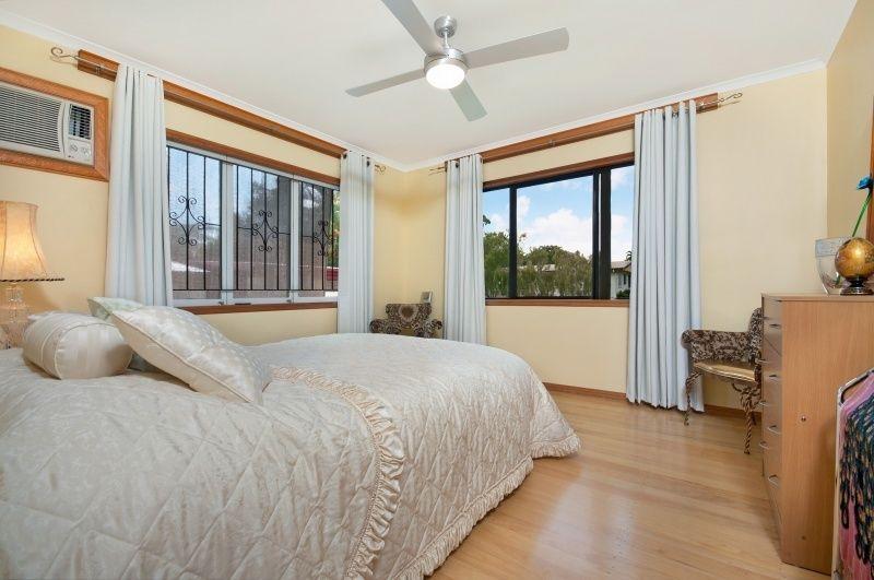 42 Macilwraith Street, Manoora QLD 4870, Image 0