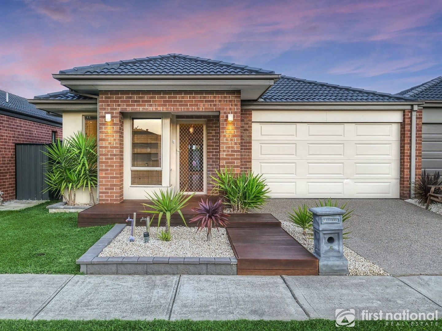 5 Lusitano Way, Clyde North VIC 3978, Image 0