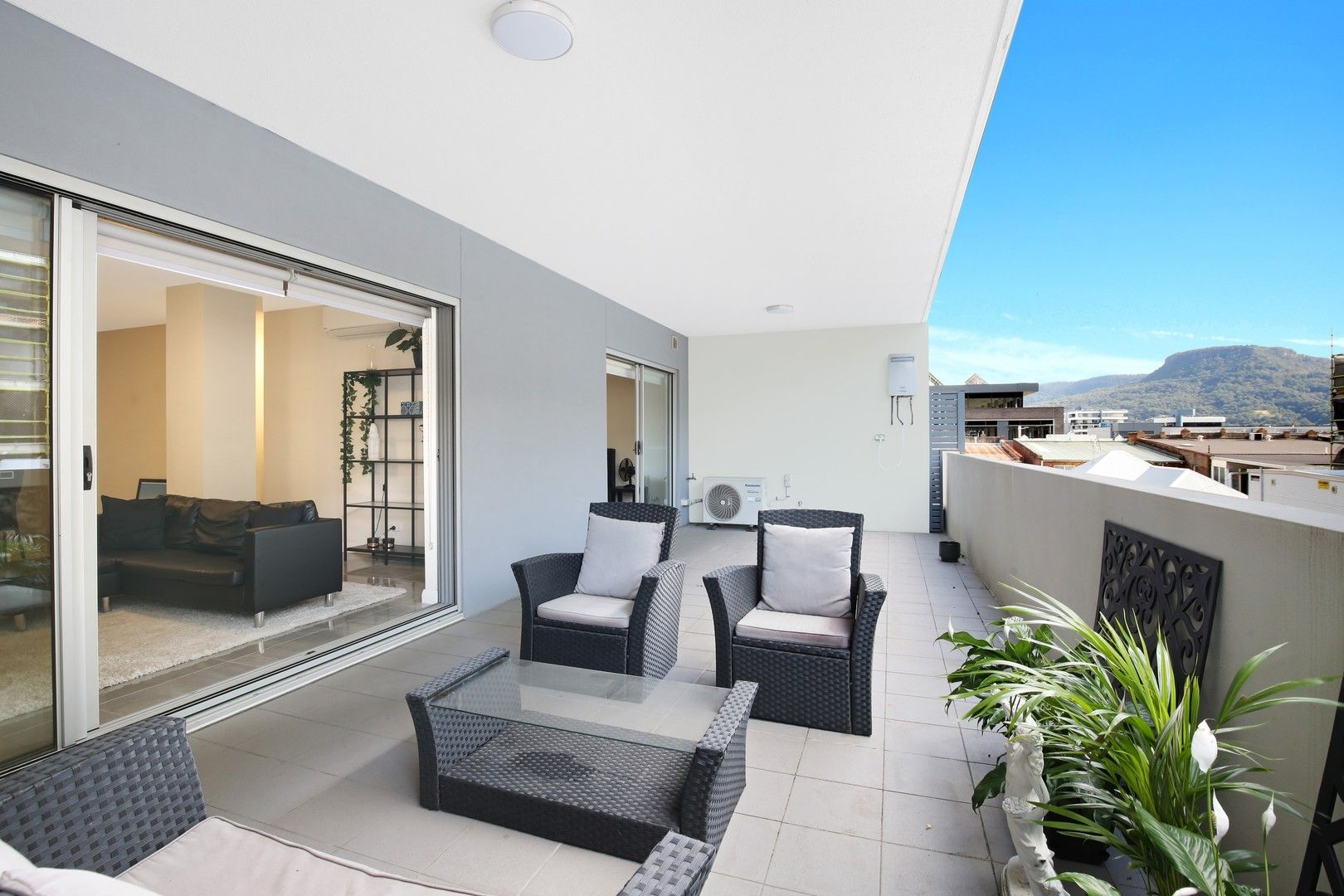 2/10 Thomas  Street, Wollongong NSW 2500, Image 0