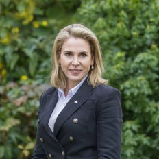 Sally O'Connell, Sales Consultant
