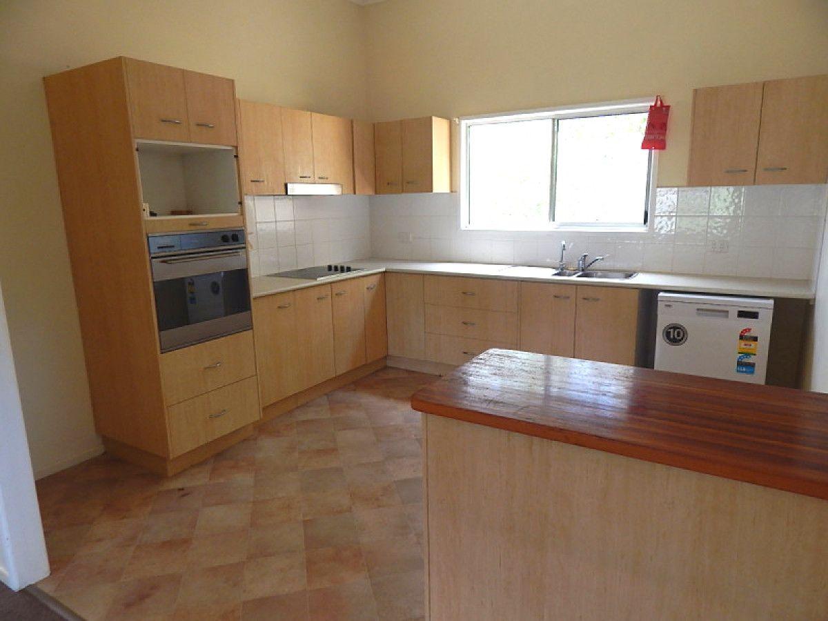 44 Chester Street, Nanango QLD 4615, Image 2
