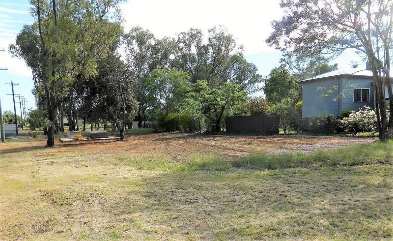 35 Hypatia Street, Chinchilla QLD 4413, Image 2