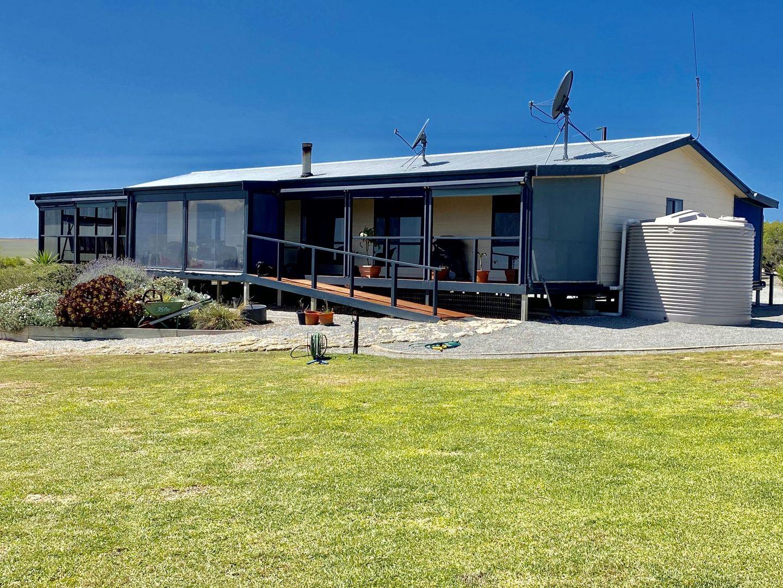 17499 Flinders Highway, Elliston SA 5670, Image 0
