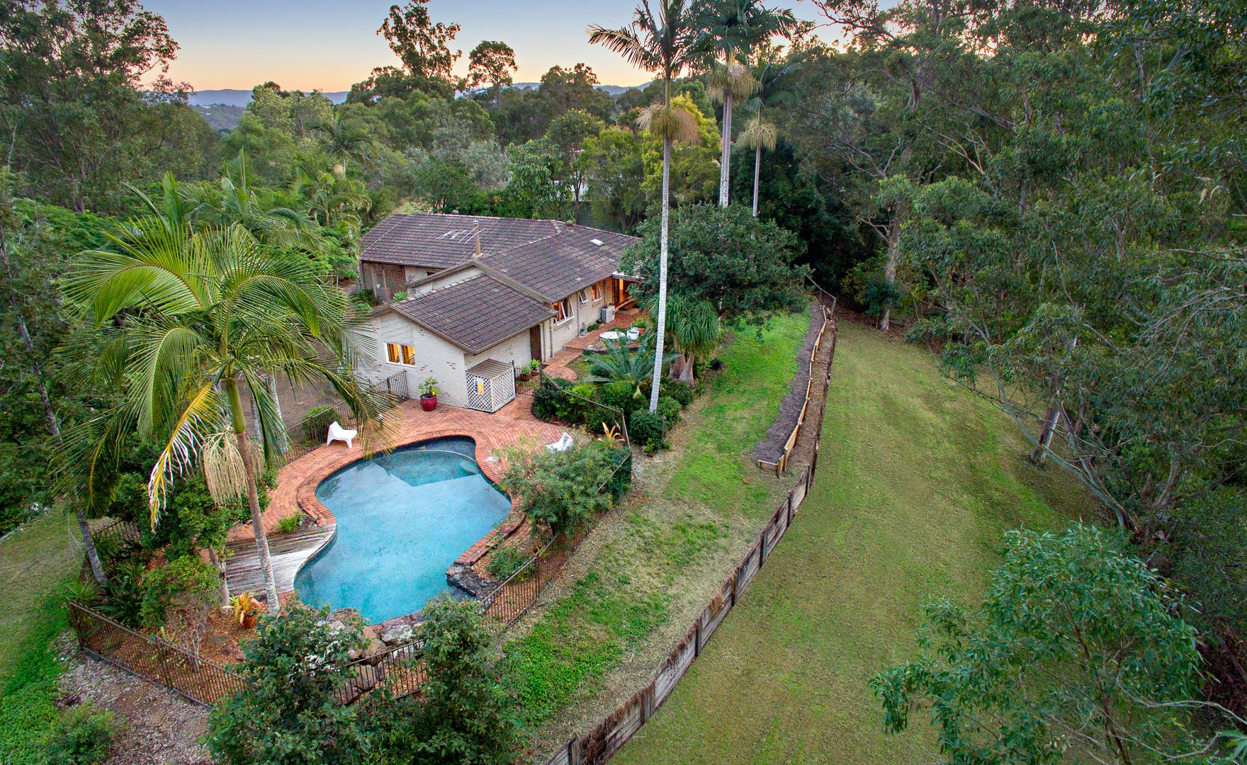3 Denniston Court, Clear Mountain QLD 4500, Image 2