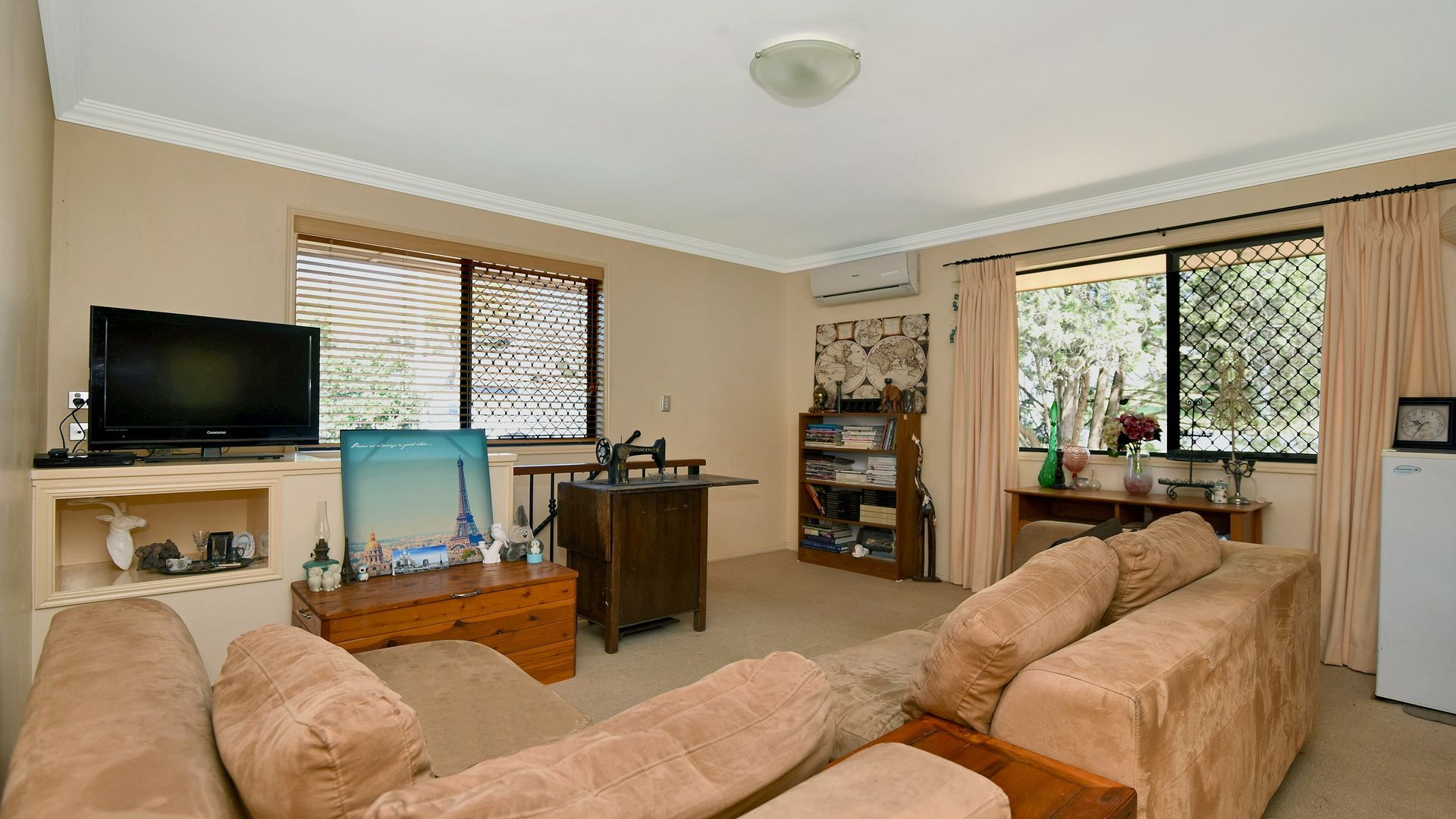 262 West Street, Kearneys Spring QLD 4350, Image 2