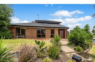 Picture of 6 Peninsula Crescent, Langwarrin VIC 3910