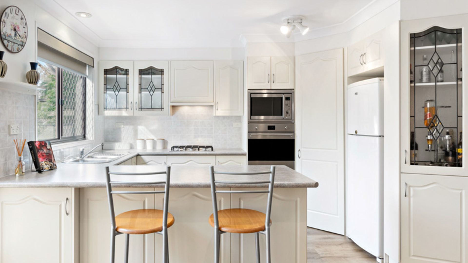 12 Roebourne Street, Yarrawarrah NSW 2233, Image 2