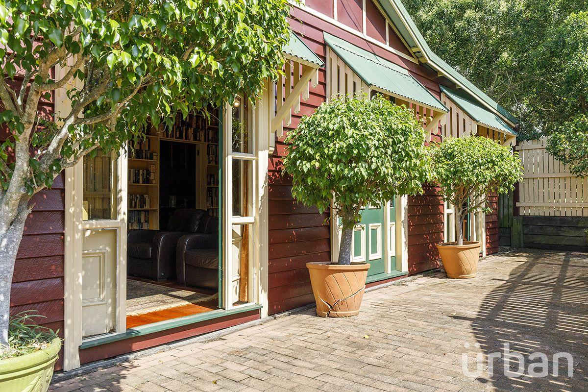 37 Vista Street, Bardon QLD 4065, Image 1