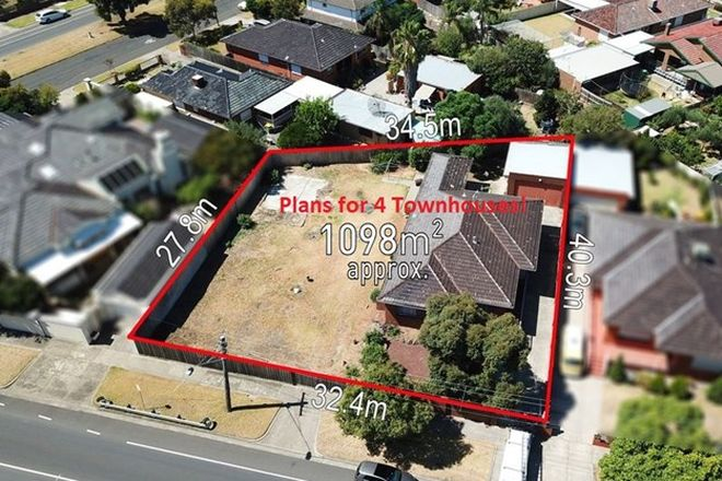 Picture of 102 Massey Avenue, RESERVOIR VIC 3073