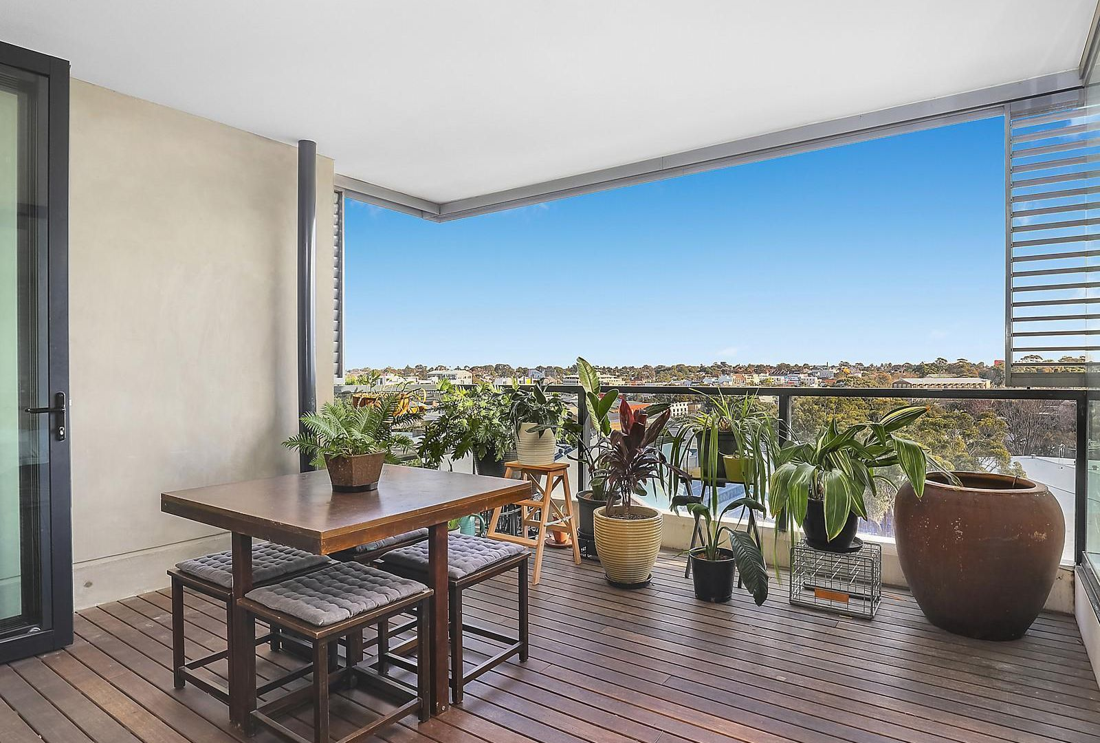 807/5 Sterling Circuit, Camperdown NSW 2050, Image 2