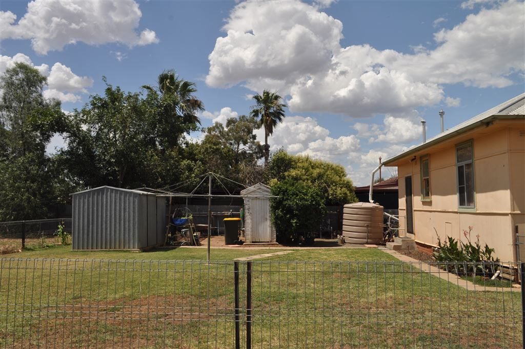 43 Walowa Street, Narrabri NSW 2390, Image 2