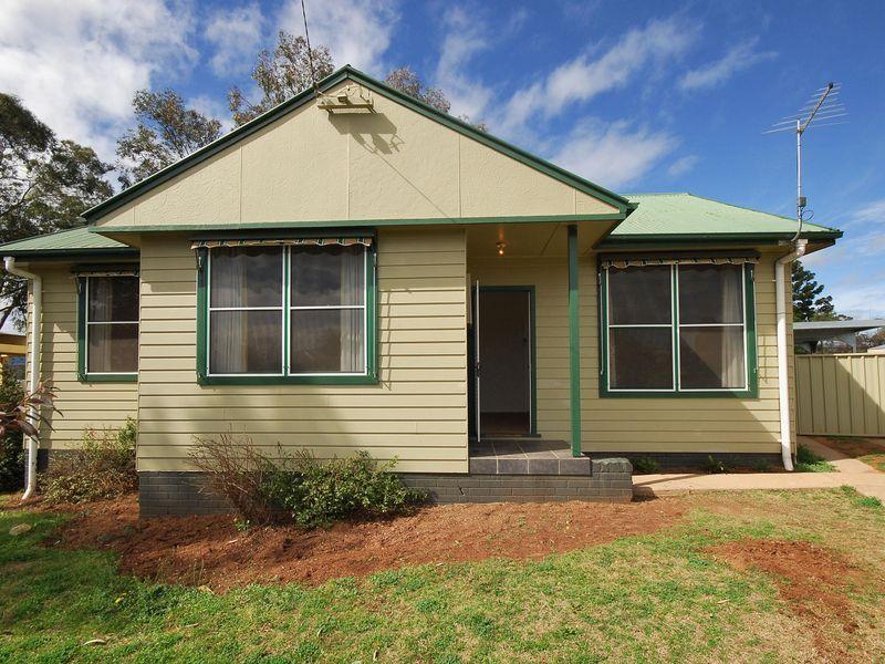 23 Thompson Crescent, Tamworth NSW 2340, Image 0