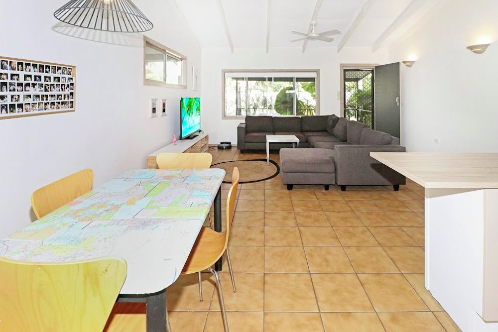 5 Cassava Street, Holloways Beach QLD 4878, Image 1