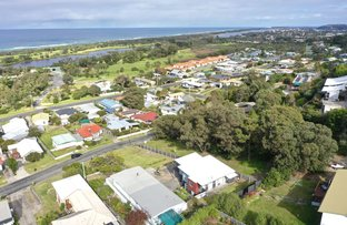 Picture of 13 Robin Street, Lakes Entrance VIC 3909