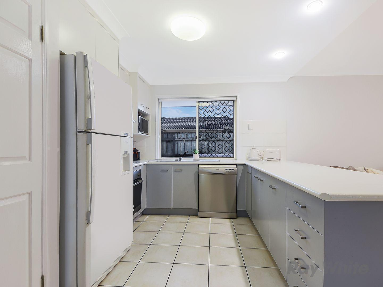 8 Mitchell Court, Rothwell QLD 4022, Image 2