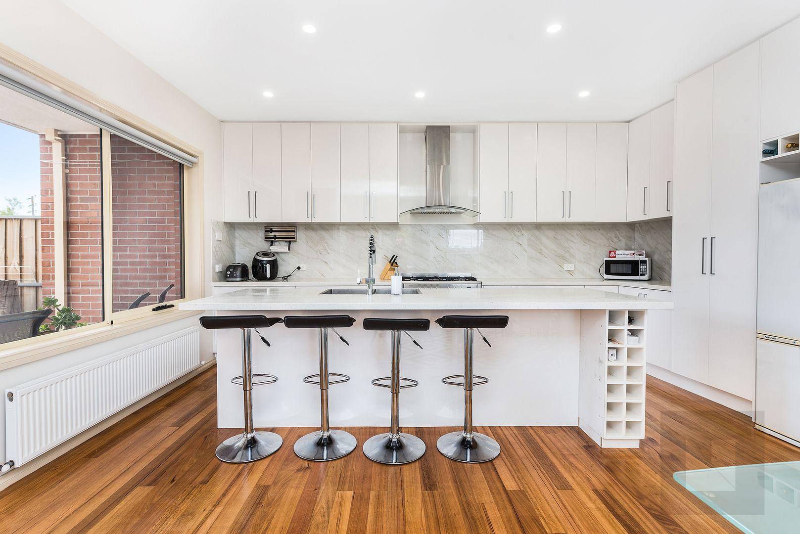 2/19 Errol Street, Footscray VIC 3011, Image 2