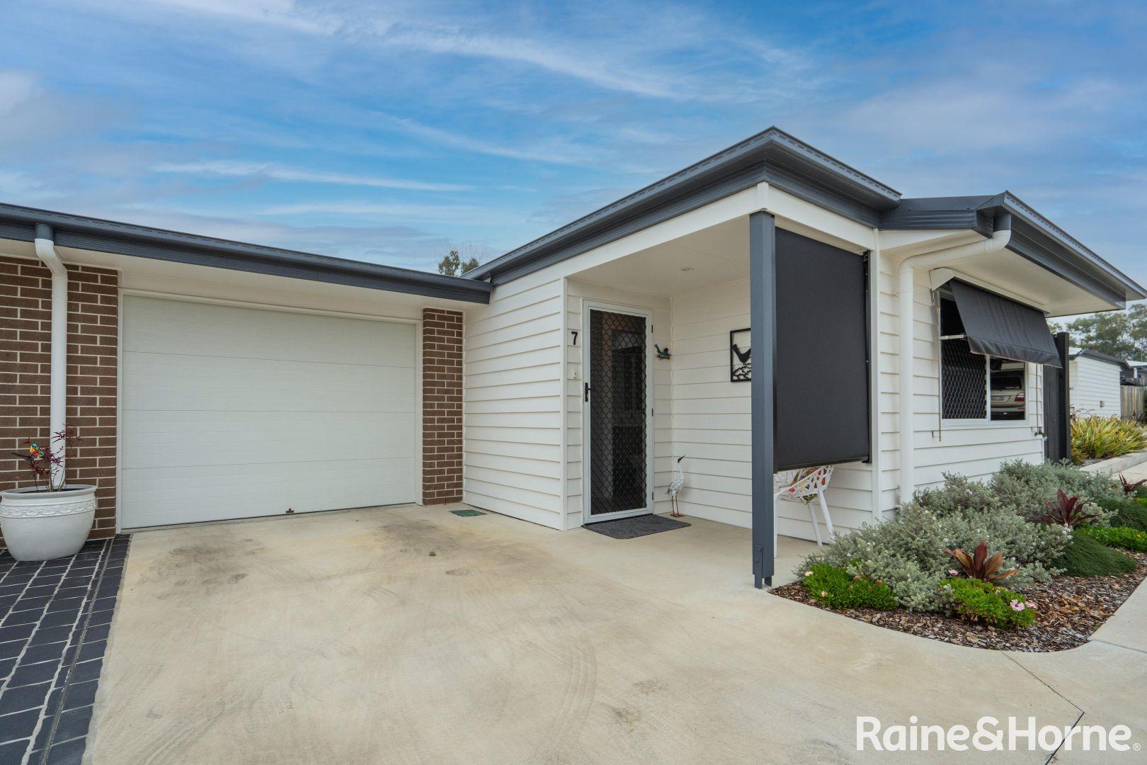 7/235 Torquay Terrace, Torquay QLD 4655, Image 1