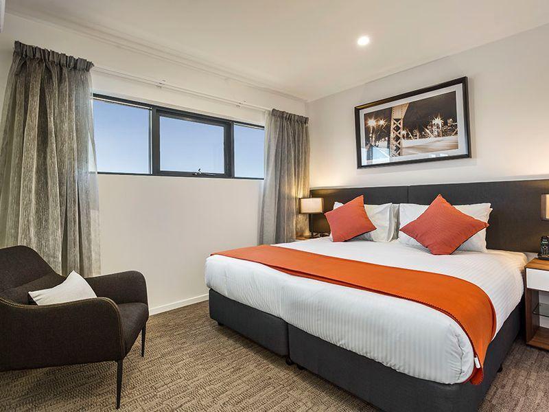 130 Logan Road, Woolloongabba QLD 4102, Image 2