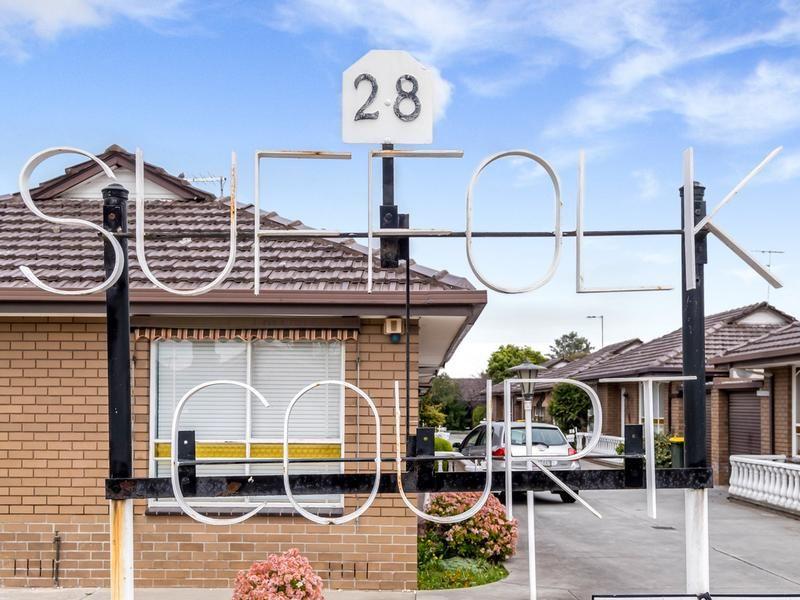 14/16 Eastcote Street, Sunshine North VIC 3020, Image 2
